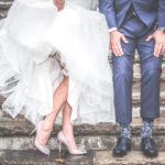 Biała sukienka na wesele – czy wypada?