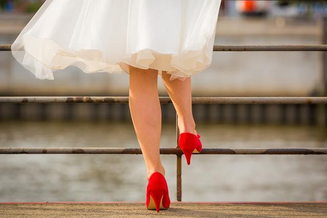 kolorowe buty ślubne