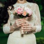 Kombinezon ślubny jako alternatywa dla tradycyjnej sukni ślubnej?