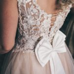 suknia slubna po slubie 1 150x150 - Jak dobrać suknię ślubną dla niskiej Panny Młodej?