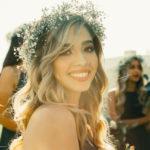 fryzura slubna z grzywka 150x150 - Luźne upięcia włosów na Twój ślub!