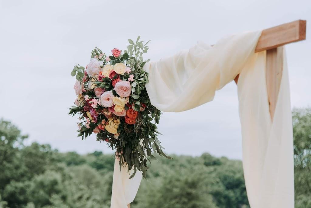 slub koscielny w plenerze - Jak zorganizować ślub kościelny w plenerze?