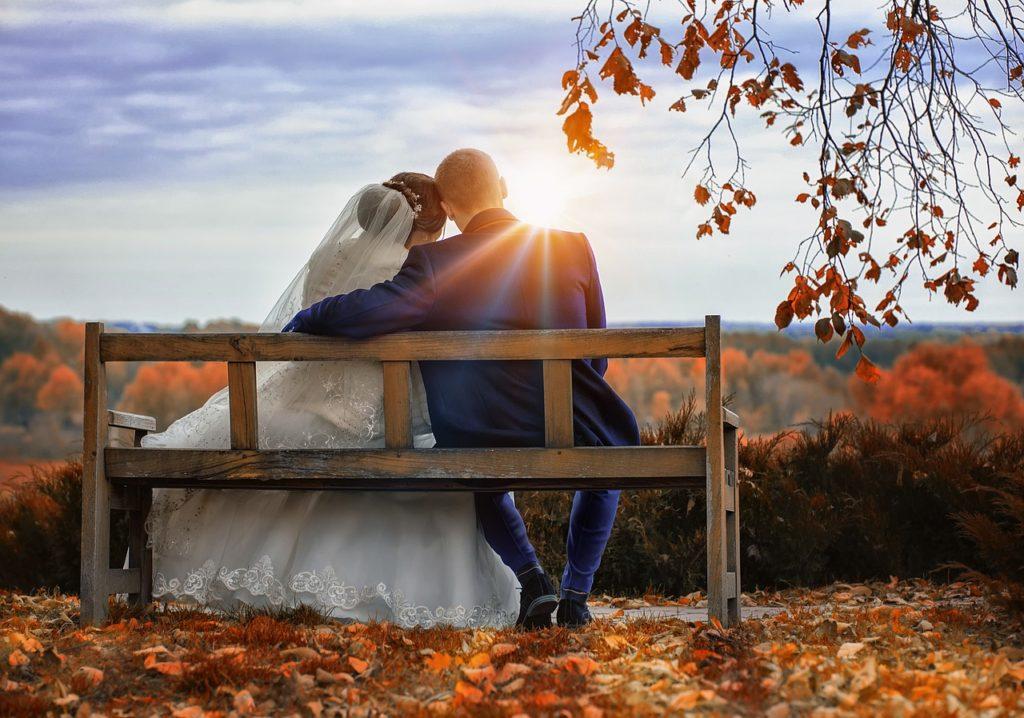 slub listopad 1024x718 - Ślub w listopadzie - czy to dobry wybór?
