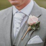 Czy szary garnitur ślubny to dobry wybór?
